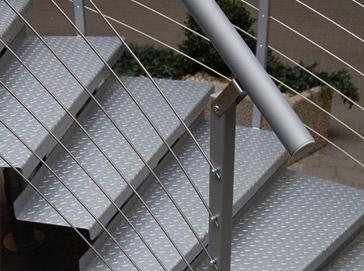 Przemysłowe schody metalowe